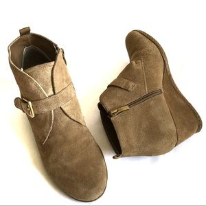 Franco Sarto• Leather Suede Ankle Wedge• 10
